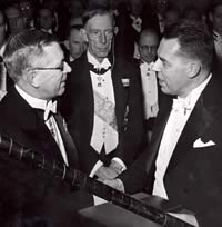 Philip Hench (right) receiving his Nobel Prize medal and diploma from King Gustaf Adolf VI of Sweden while Prince Wilhelm looks on.Photo: AB Reportagebild