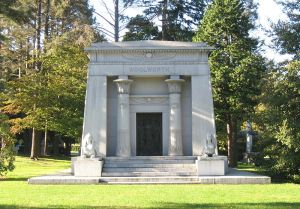 Woolworth's tomb in Woodlawn Cemetery, Bronx