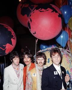 Beatles Our World !BW6Coy!B2k~$(KGrHgoOKi4EjlLmZ,1SBKZmye1q)!~~_12