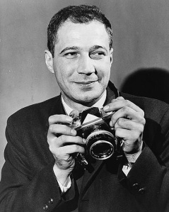 The Pulitzer Prize Winning American Photographer Who Took Perhaps Most Famous Photograph Of Vietnam War Was Born Today In 1933 Now WE Know Em