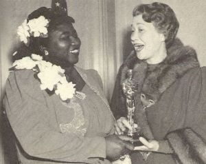 Hattie_McDaniel_Receives_Oscar