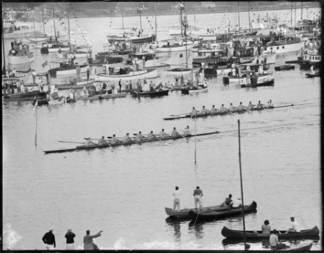 Harvard beats Yale on the Thames, New London