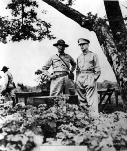 Jonathan M. Wainwright (left) with Douglas MacArthur (right) in the Philippines