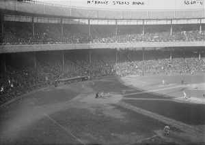 Mike_McNally_Steals_home_1921_World_Series