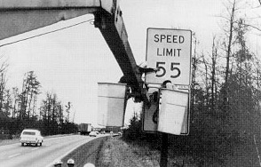 Erecting_55_mph_speed_limit