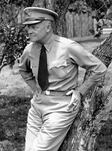 445px-Dwight_D__Eisenhower_as_General_of_the_Army_crop