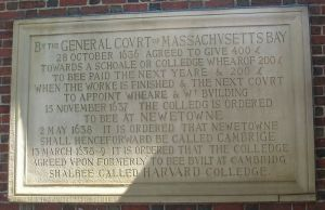 800px-Harvard_Colledge_plaque,_Harvard_University_-_IMG_8970