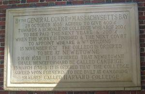 800px-Harvard_Colledge_plaque,_Harvard_University_-_IMG_8970